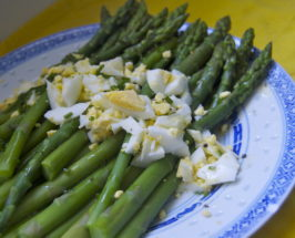 Asparagus And Chopped Egg Salad With Lemon-Chive Dressing