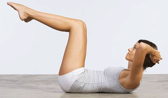 Beyond The Gym: 7 Useful Tips To Get Toned Abs