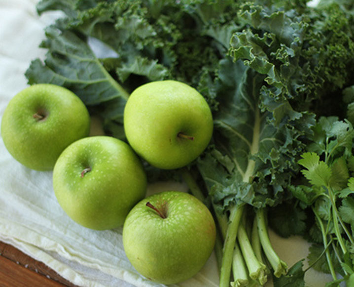 Expert Advice with pH Miracle: Alkalizing with Green Juice