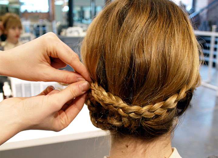An Easy And Adorable Holiday Braid Tutorial