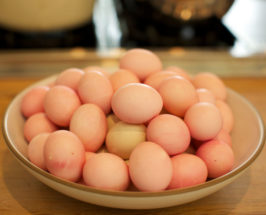 Make It By Monday: Non-Toxic Vibrant Easter Eggs