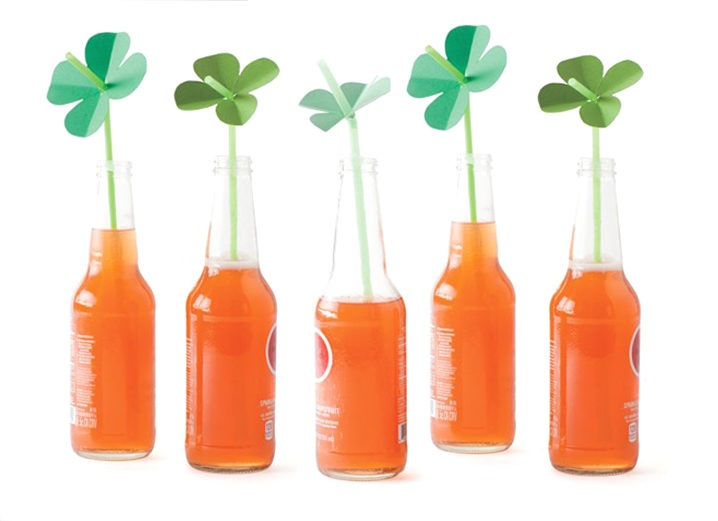 Make It By Monday: Shamrock Straw Toppers
