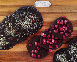 Polyphenol Bombs: Healthy Chocolate Disks with Pomegranate Arils