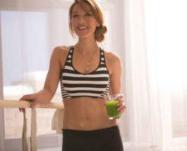 The Beauty Smoothie: Candice Kumai's Galentine's Day Recipe Is Next Level