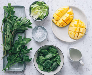 A Spinach Mint Mango Smoothie to Keep Things Balanced