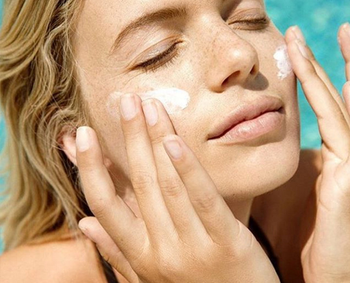 Face Oil vs Face Cream: What's Right For You?