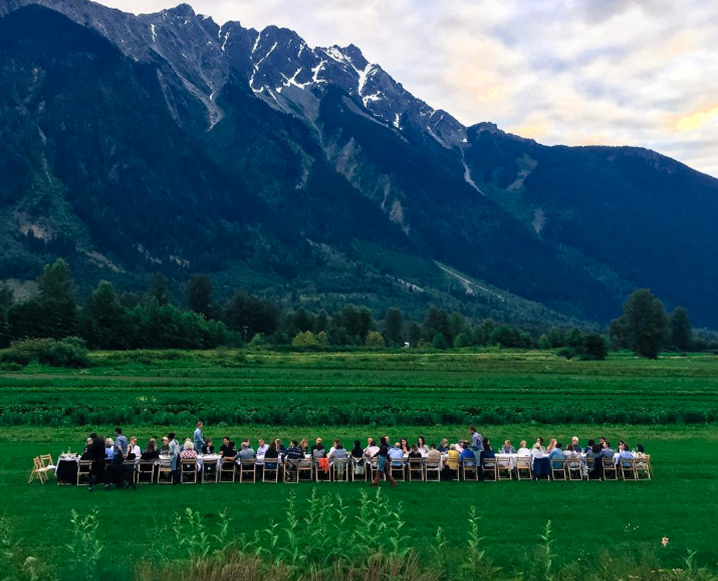 Outstanding In The Field: Inside The Ultimate Traveling Dinner Party