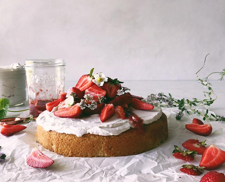 Sweet Laurel vanilla cake