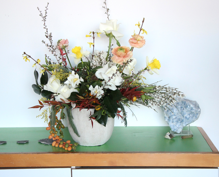 How To Arrange Flowers Like You Know What You're Doing