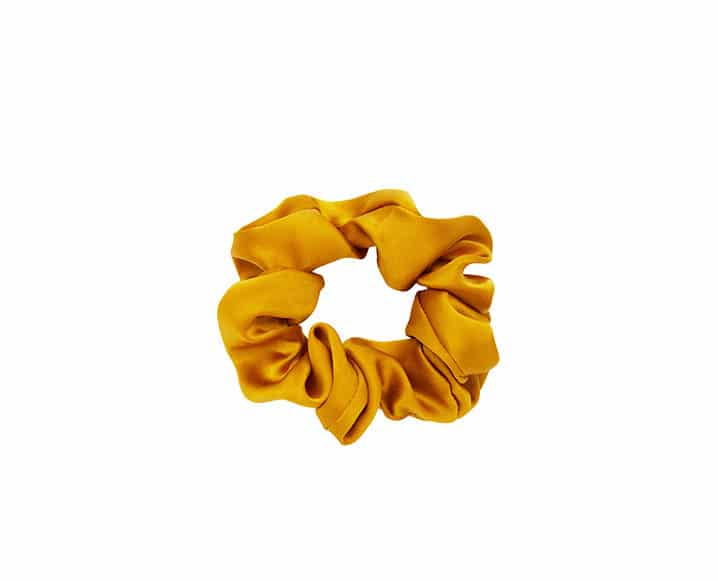 yellow scrunchie to fake a shower