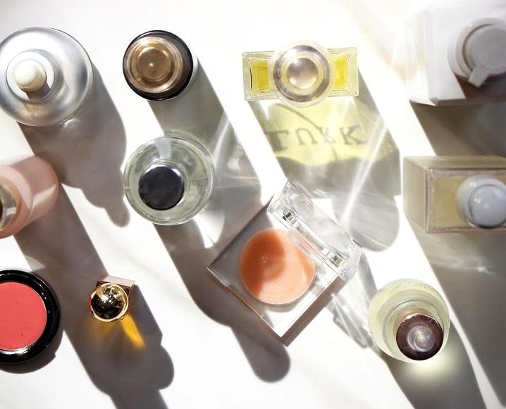 How To Apply Face Oil bottles