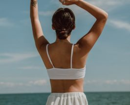 woman on beach wildling body review