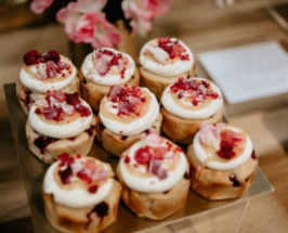apple cup cakes with flower petals