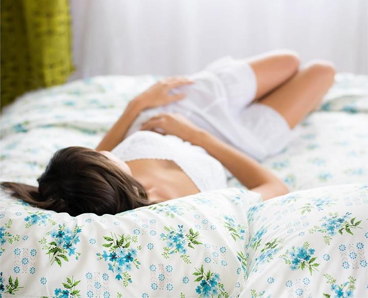 woman sleeping delayed release melatonin